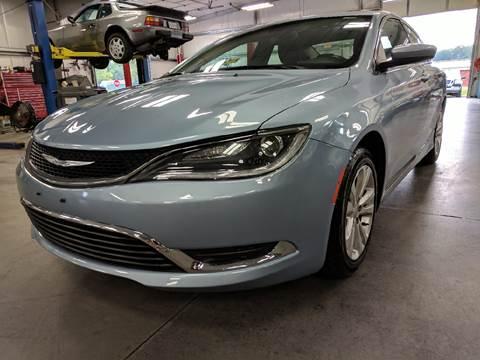 2015 Chrysler 200 for sale at Dunn-Rite Auto Group in Kilmarnock VA