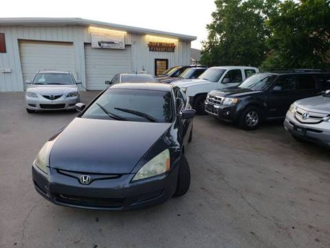 2005 Honda Accord for sale at DFW AUTO FINANCING LLC in Dallas TX
