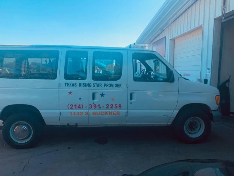 2000 Ford E-350 3dr XLT SD Extended Passenger Van - Dallas TX
