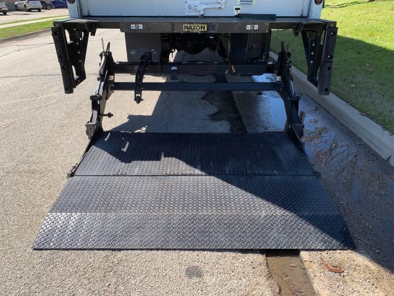 2018 International DuraStar 4300 4X2 2dr Regular Cab - Dallas TX