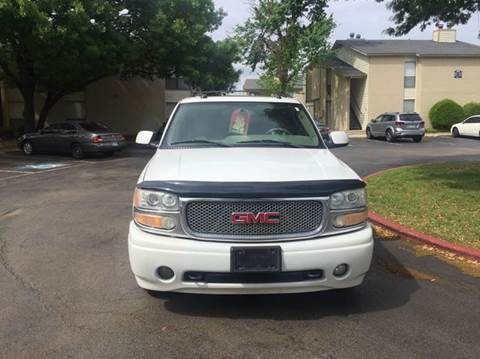 2005 GMC Yukon XL for sale at DFW AUTO FINANCING LLC in Dallas TX