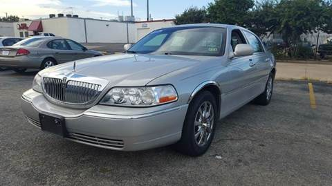 2006 Lincoln Town Car for sale at DFW AUTO FINANCING LLC in Dallas TX