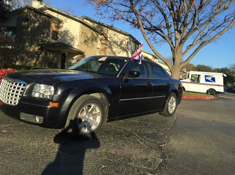 2006 Chrysler 300 for sale at DFW AUTO FINANCING LLC in Dallas TX