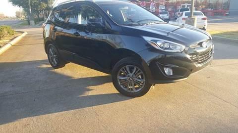 2015 Hyundai Tucson for sale at DFW AUTO FINANCING LLC in Dallas TX