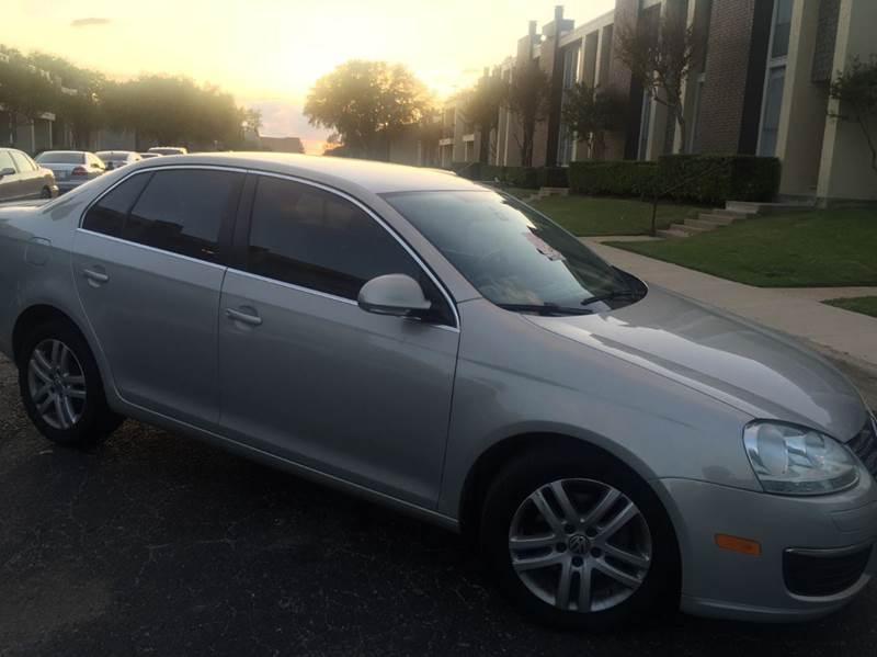 2010 Volkswagen Jetta for sale at DFW AUTO FINANCING LLC in Dallas TX