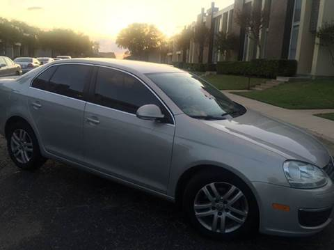 2010 Volkswagen Jetta for sale at DFW AUTO FINANCING LLC in Dallas TX