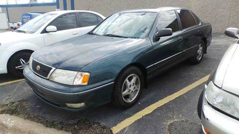 1998 Toyota Avalon for sale at DFW AUTO FINANCING LLC in Dallas TX