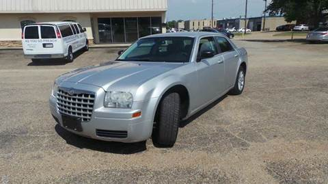 2008 Chrysler 300 for sale at DFW AUTO FINANCING LLC in Dallas TX
