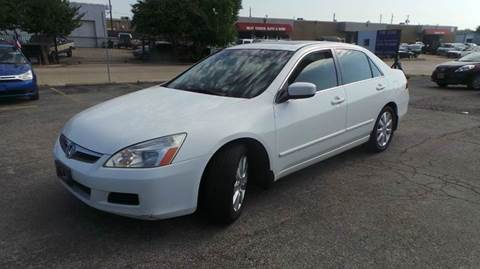 2007 Honda Accord for sale at DFW AUTO FINANCING LLC in Dallas TX