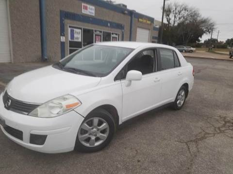 2009 Nissan Versa for sale at DFW AUTO FINANCING LLC in Dallas TX