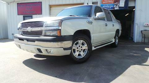 2006 Chevrolet Avalanche for sale at DFW AUTO FINANCING LLC in Dallas TX