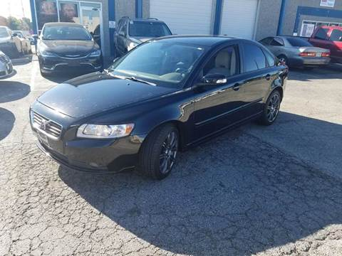 2010 Volvo S40 for sale at DFW AUTO FINANCING LLC in Dallas TX