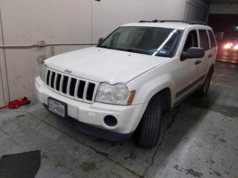 2005 Jeep Grand Cherokee for sale at DFW AUTO FINANCING LLC in Dallas TX