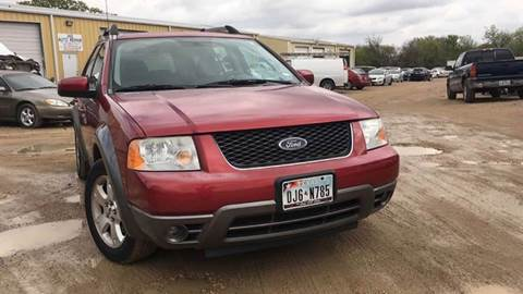 2005 Ford Freestyle for sale at DFW AUTO FINANCING LLC in Dallas TX
