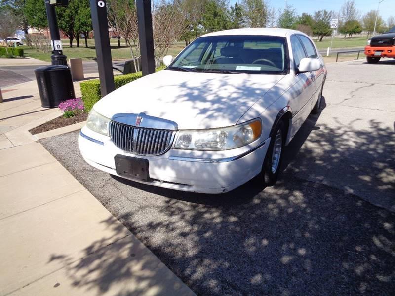 2001 Lincoln Town Car Executive In Lawton Ok Clinton Herring Auto