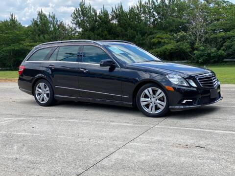 2011 Mercedes-Benz E-Class for sale at Selective Cars & Trucks in Woodstock GA