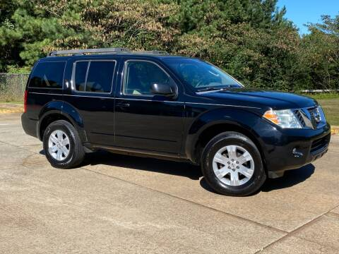 2008 Nissan Pathfinder for sale at Selective Cars & Trucks in Woodstock GA