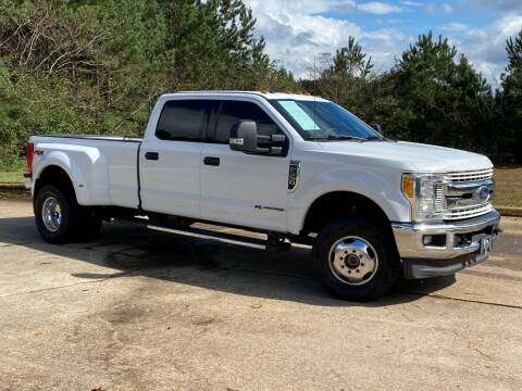 2017 Ford F-350 Super Duty for sale at Selective Cars & Trucks in Woodstock GA