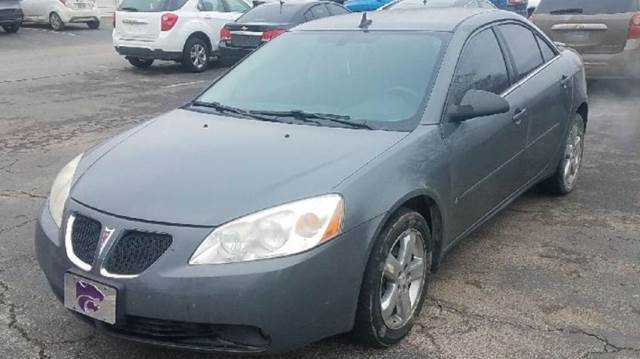 2008 Pontiac G6 for sale at Doug's Auto Sales in Columbia MO