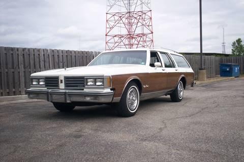 1985 Oldsmobile Custom Cruiser for sale in Willowick, OH