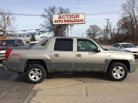2002 Chevrolet Avalanche 1500 for sale at Action Auto Wholesale in Painesville OH