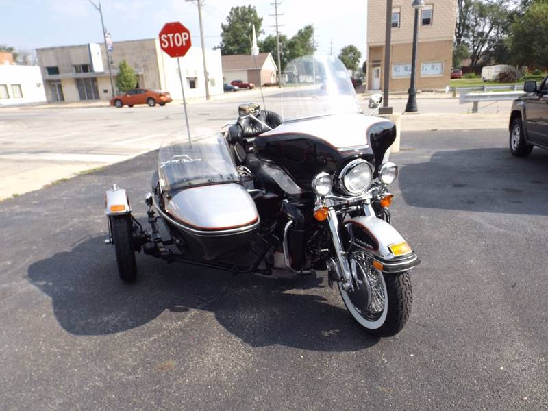 1989 HARLEY DAVIDSON FLHTCULT for sale at WHEELS OF FORTUNE AUTO SALES in Bradley IL