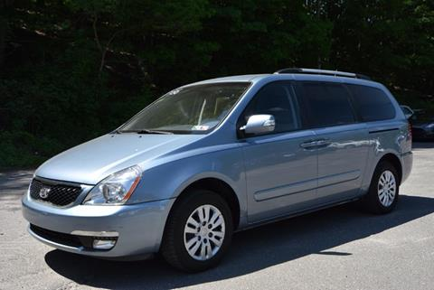 2014 Kia Sedona for sale in Naugatuck, CT