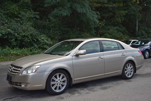 2005 Toyota Avalon for sale in Naugatuck, CT