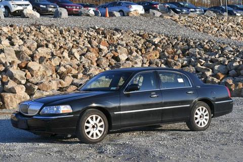 2010 Lincoln Town Car for sale in Naugatuck, CT