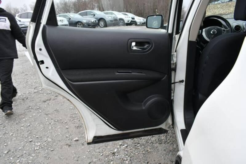 2013 Nissan Rogue S (image 12)
