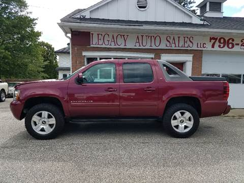 2007 Chevrolet Avalanche for sale at LEGACY AUTO SALES in Waterford PA