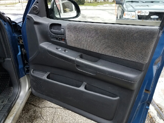 2003 Dodge Dakota for sale at LEGACY AUTO SALES in Waterford PA