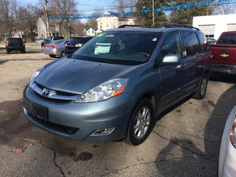2006 Toyota Sienna for sale at LEGACY AUTO SALES in Waterford PA