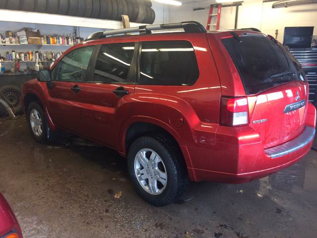2008 Mitsubishi Endeavor for sale at LEGACY AUTO SALES in Waterford PA