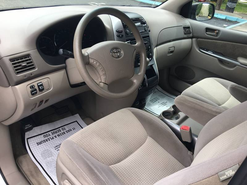 2010 Toyota Sienna for sale at Florida Auto Trend in Plantation FL