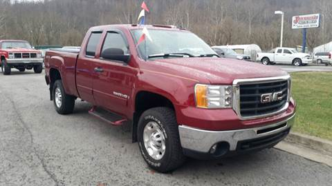 2007 GMC Sierra 2500HD for sale at Johnnies Quality Preowned Auto LLC in Weston WV