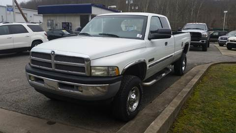 2001 Dodge Ram Pickup 2500 for sale at Johnnies Quality Preowned Auto LLC in Weston WV