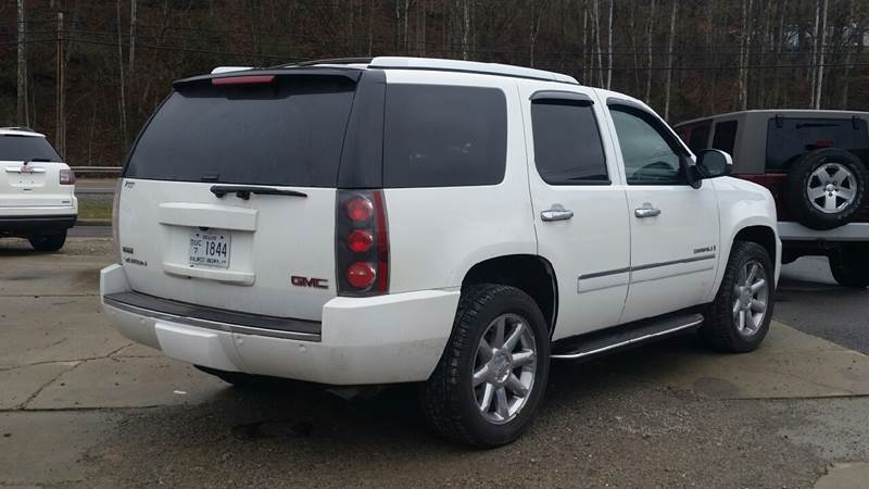 2009 GMC Yukon for sale at Johnnies Quality Preowned Auto LLC in Weston WV