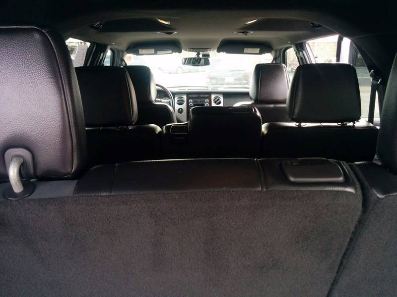 2010 Ford Expedition 4x4 Limited 4dr SUV - Milan IL