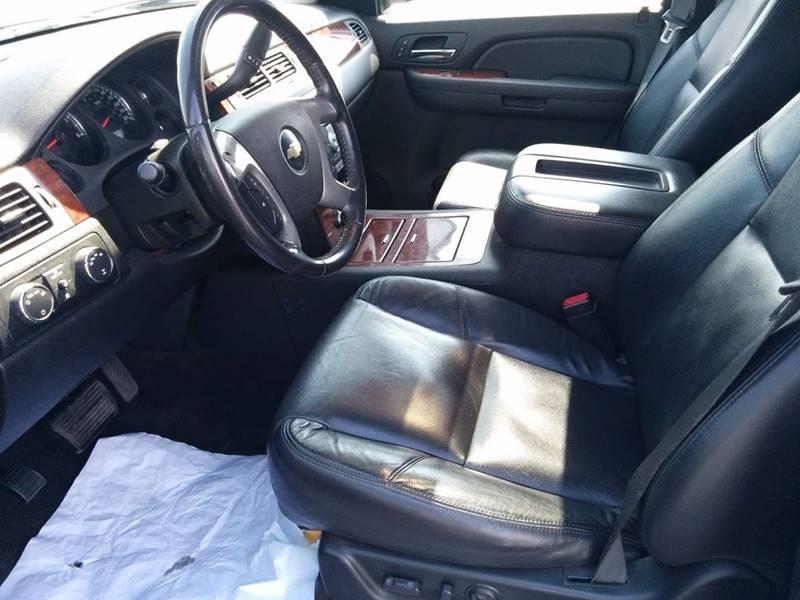 2009 Chevrolet Avalanche 4x4 LTZ Crew Cab 4dr - Milan IL