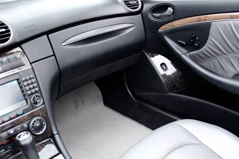 2008 Mercedes-Benz CLK CLK350 2dr Convertible w NAVIGATION & HARMAN KARDON PREMIUM SOUND - Great Neck NY
