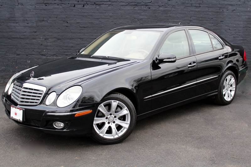 2009 Mercedes Benz E Class E 350 4MATIC AWD 4dr Sedan W NAVIGATION U0026