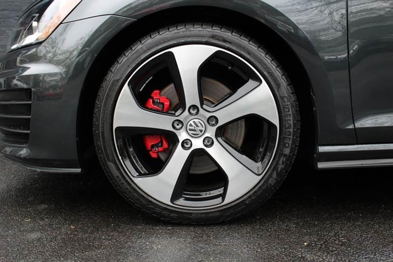 2015 Volkswagen Golf GTI SE 2dr Hatchback 6M - Great Neck NY