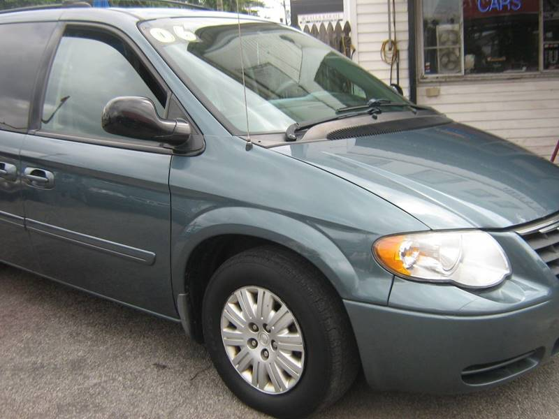 2006 Chrysler Town and Country for sale at JERRY'S AUTO SALES in Staten Island NY