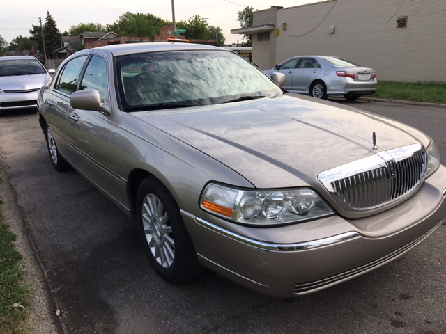 2003 Lincoln Town Car Executive 4dr Sedan In Detroit Mi Lions Auto