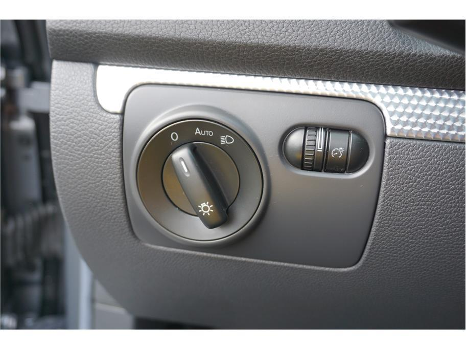 2008 Volkswagen R32 AWD 2dr Hatchback - Burien WA