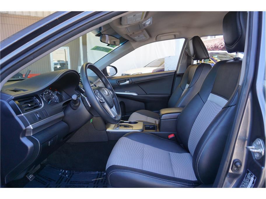 2014 Toyota Camry SE Sedan 4D - Burien WA