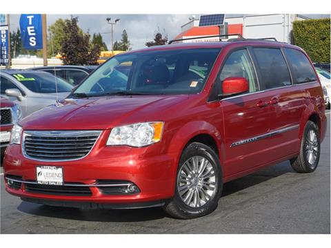 2015 Chrysler Town and Country for sale in Burien, WA
