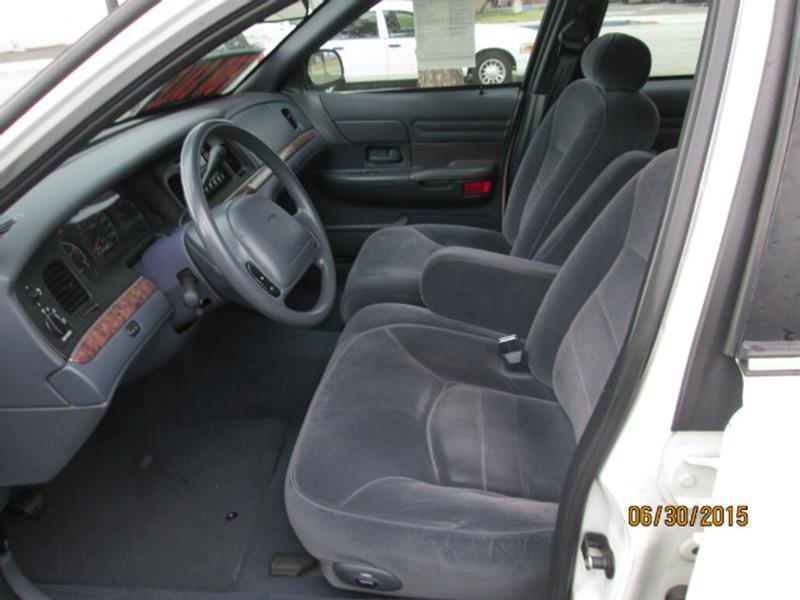 2000 Ford Crown Victoria LX 4dr Sedan - Anaheim CA