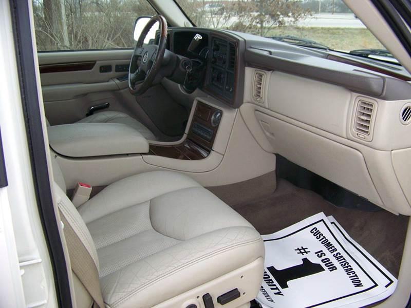 2004 Cadillac Escalade EXT AWD 4dr Crew Cab SB - Troy MO